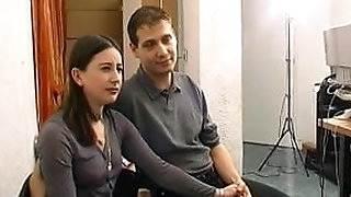 Sodo au bureau pour ce jeune couple amateur francais